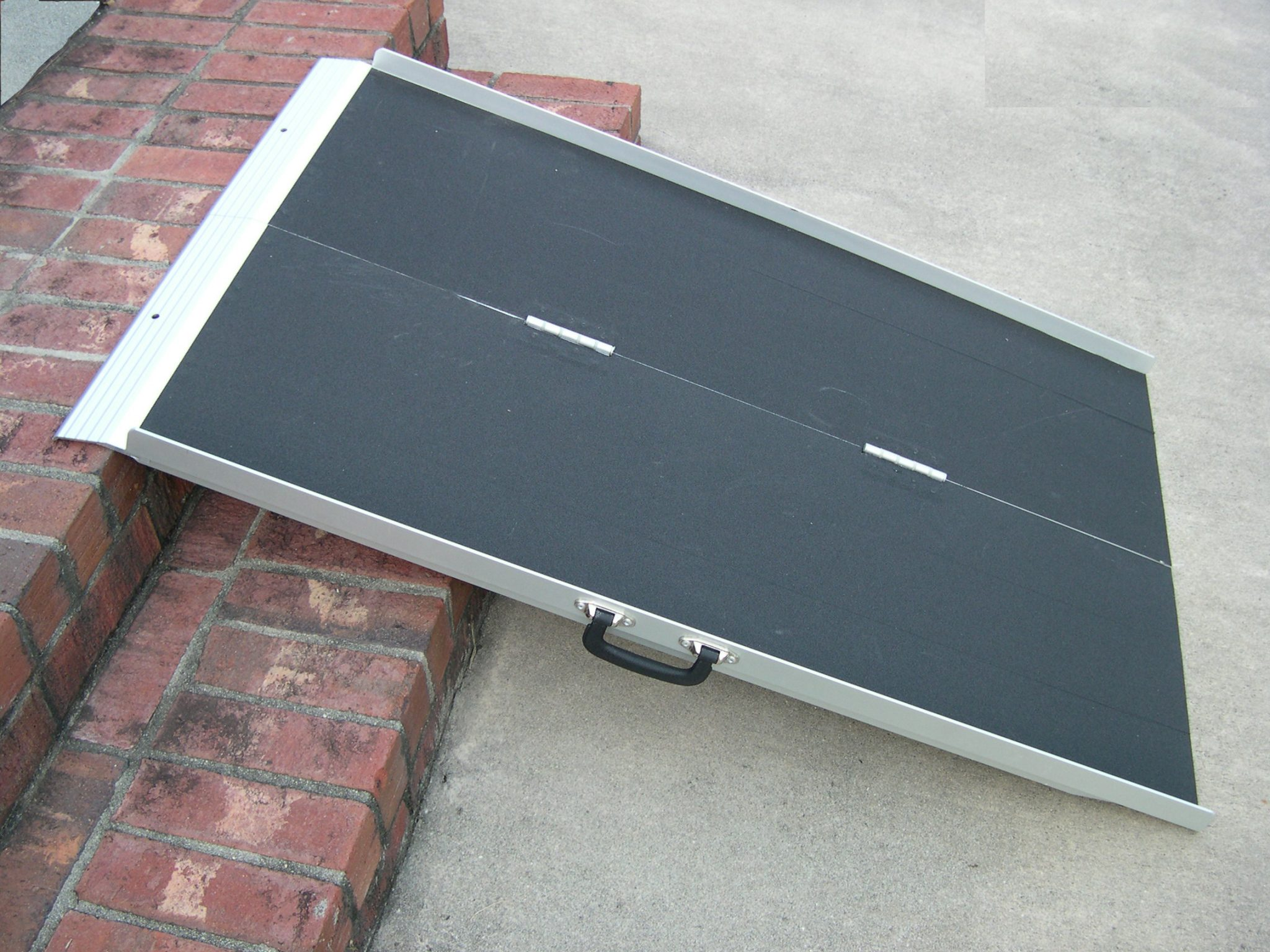 4 Literamp Portable Suitcase Ramp